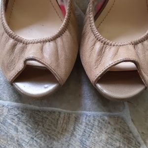 BCBGeneration Shoes - BCBGeneration 9.5M taupe wedge peep toe pump nwot